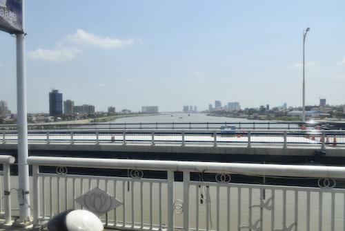 _DSC0214トンレサップ川?.JPG