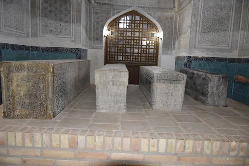 _DSC0403 2グンバズィ・サイーダン廟(ウルベルグの子孫の墓).JPG